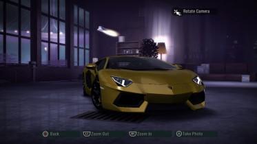 Lamborghini Aventador LP700-4 in Yellow