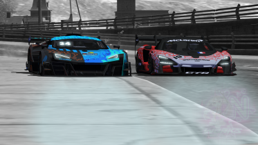 McLaren GTR vs W Motors