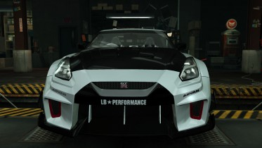 Nissan GT-R R35 Silhouette